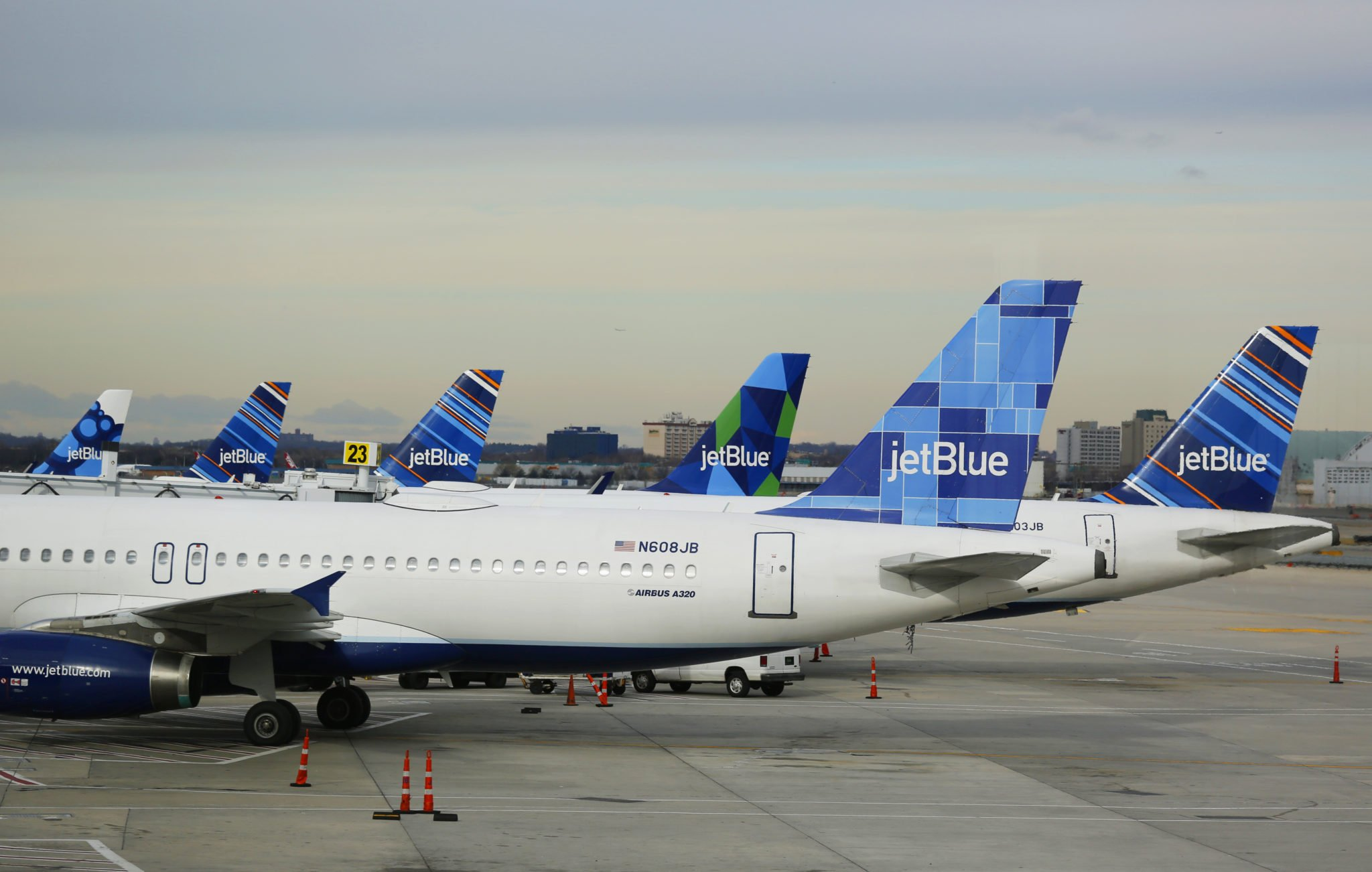 jetblue airlines core competency Strengths low cost airline fares and essay on jet blue case study discuss whether or not jetblue exemplified this core competency during the.