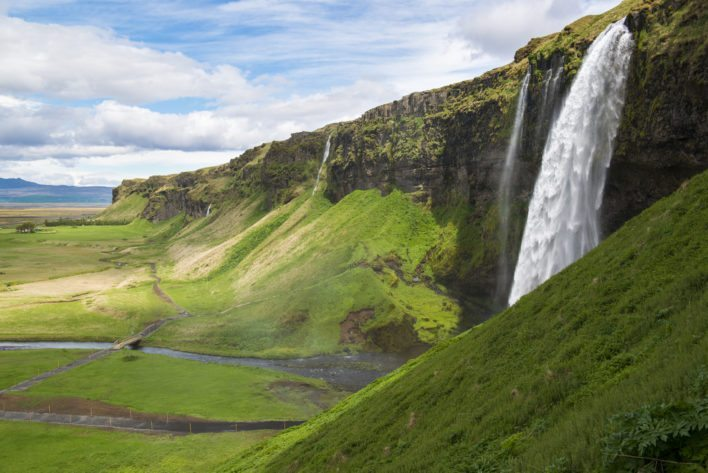 Use your Korean miles to hop around Europe. As far west as Iceland will cost you the same number of miles!