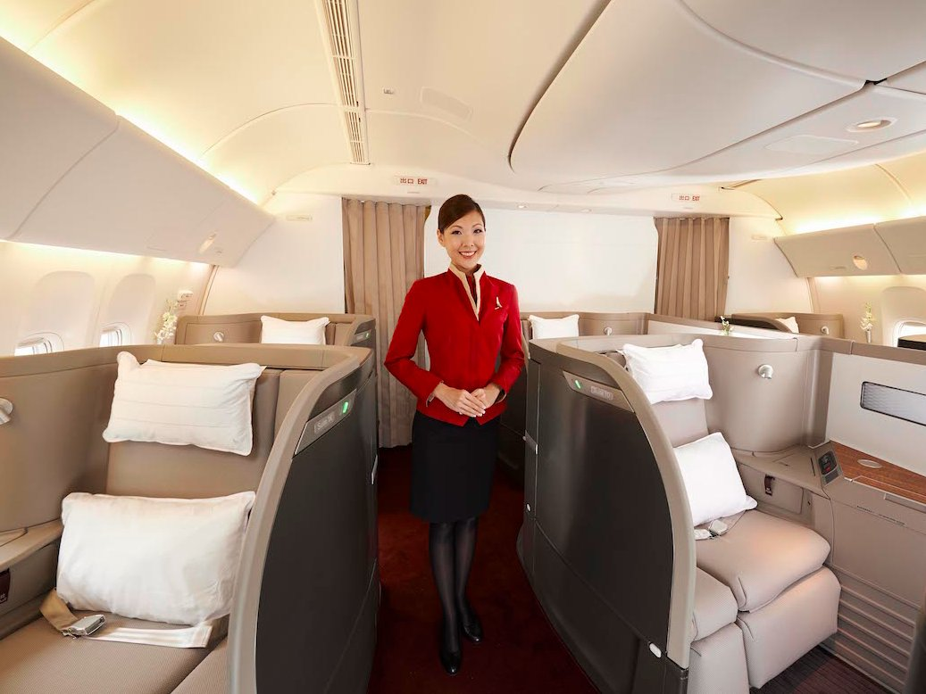 Best Ways To Book Cathay Pacific First Class [Step-by-Step]