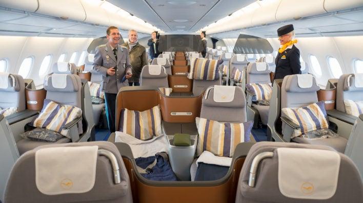 Lufthansa-Business-Class-Cabin