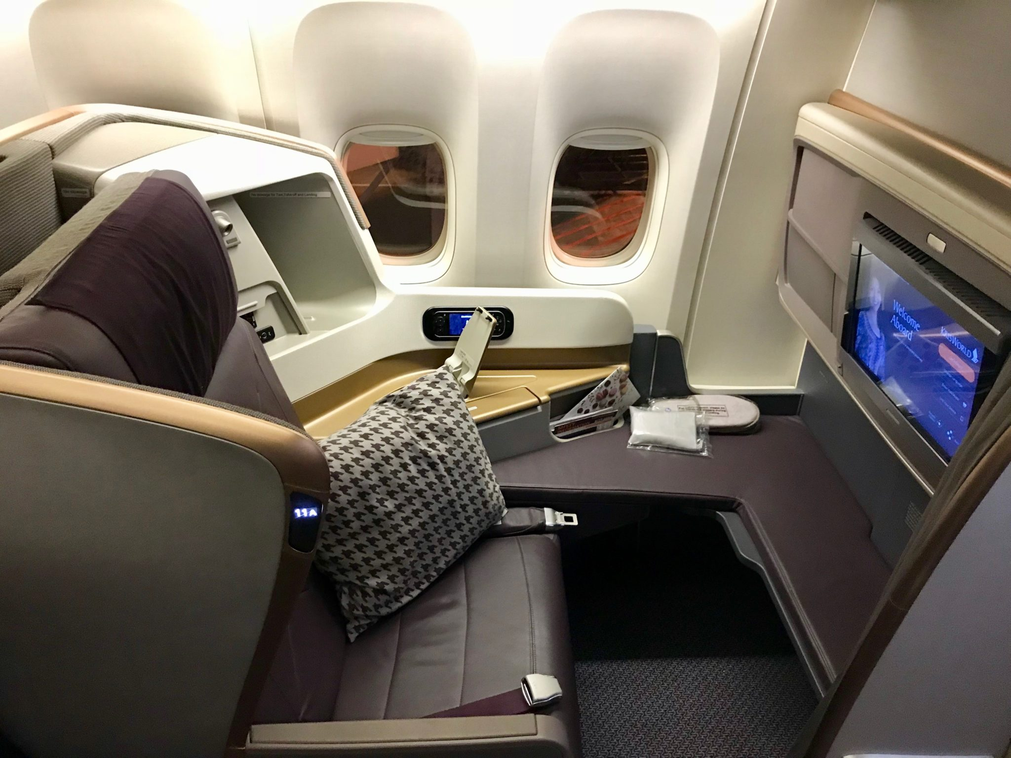 Singapore Airlines Business Class 777 - Seat