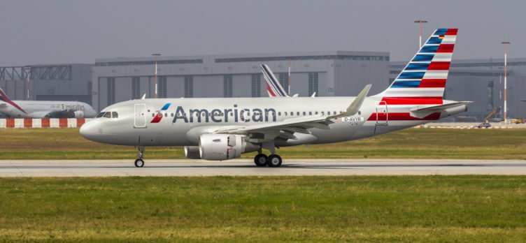American Airlines A319 Taxiing