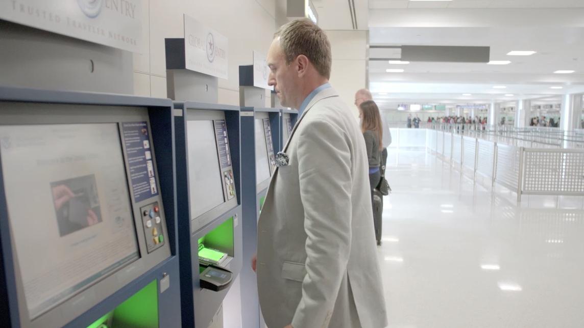 Traveler Uses Global Entry Kiosk
