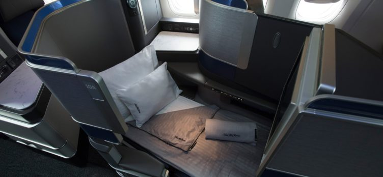 United Polaris Lie-Flat Seat