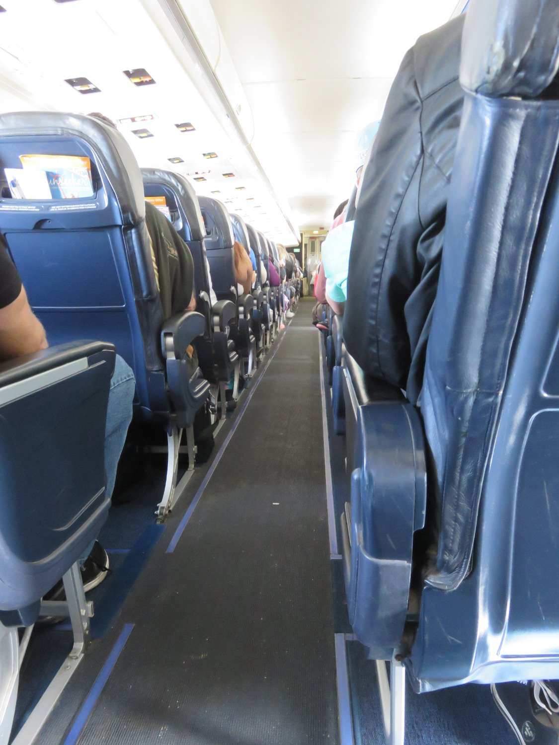 Allegiant Air Cabin Photo