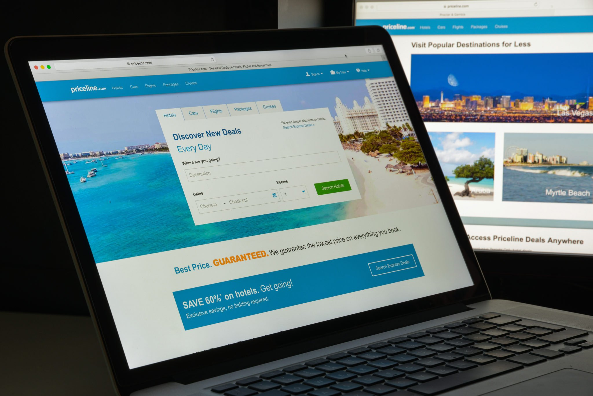 8 Benefits of Booking Hotels Online, Worth a Try!