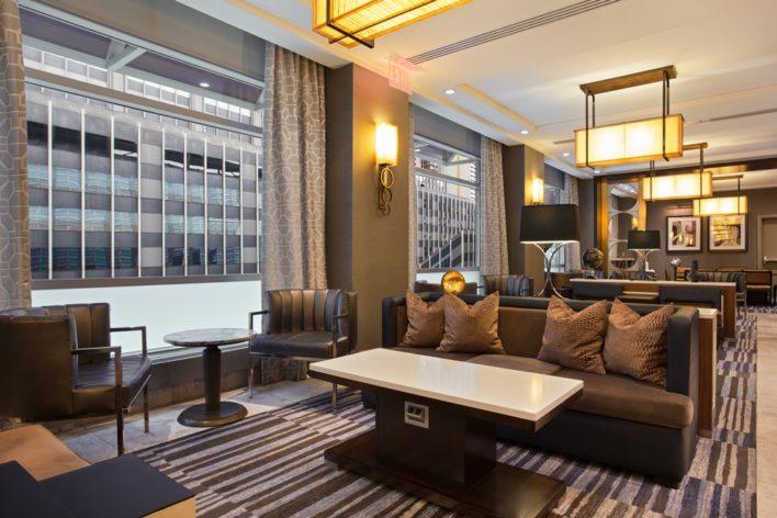 Hilton New York Hotel Executive Lounge