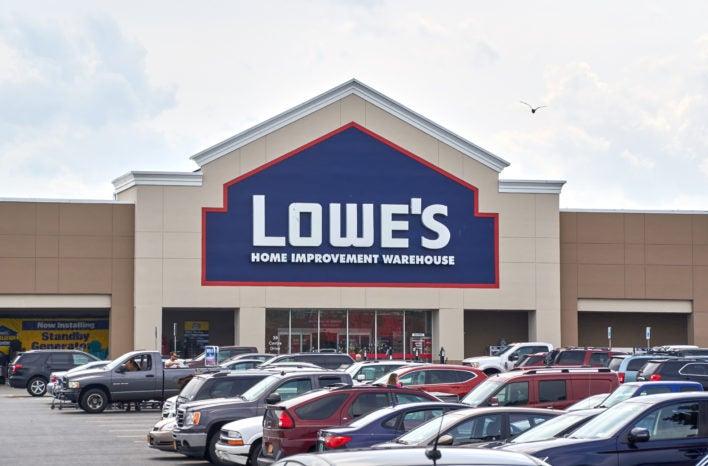 lowe 39 s advantage credit card review should you sign up 2018. Black Bedroom Furniture Sets. Home Design Ideas