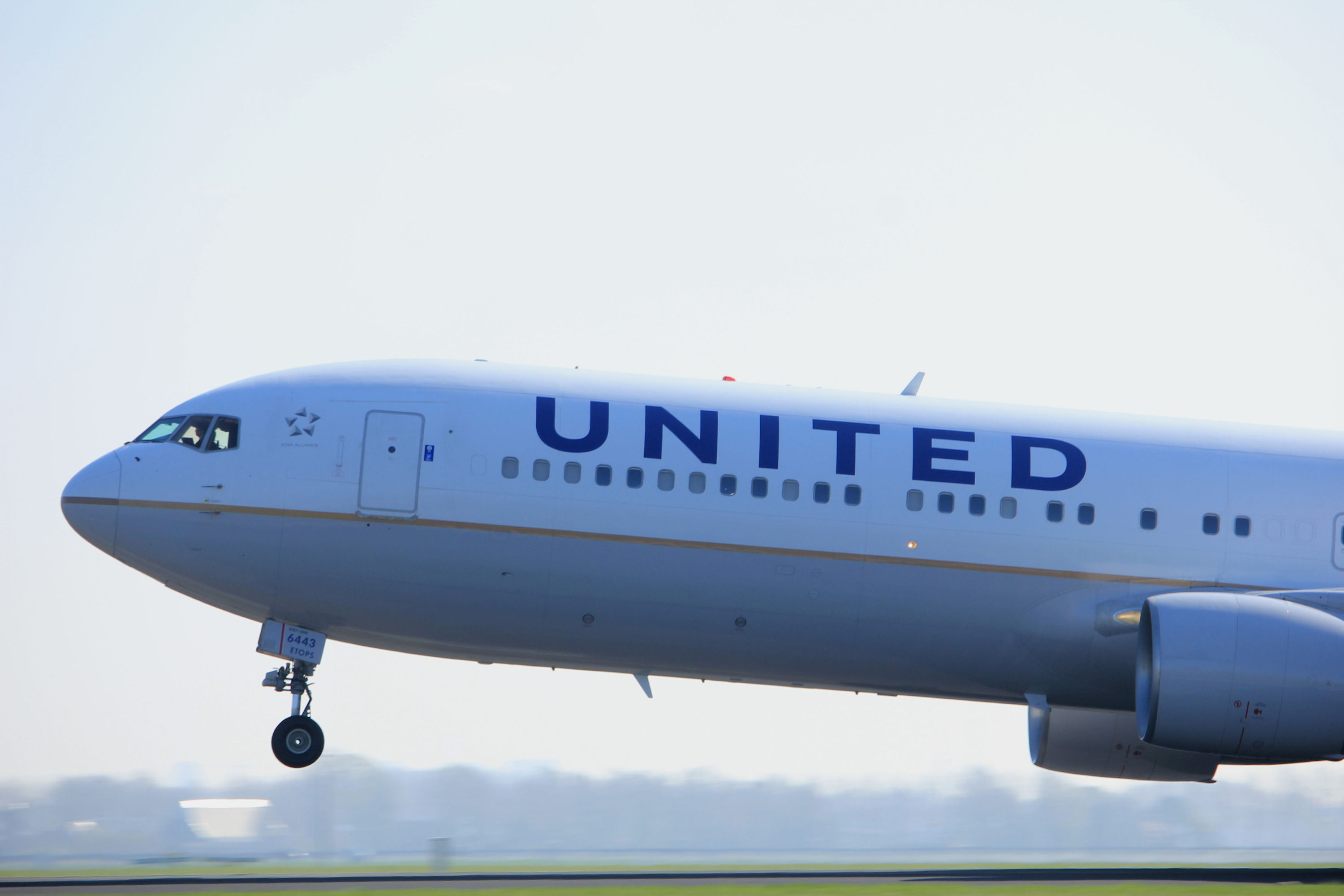 07e8d500a74e United Airlines will be your go-to option if you want to fly with a Star  Alliance carrier to Paris.