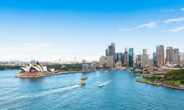 Best Ways to Fly to Australia with Points & Miles; Sydney Opera House
