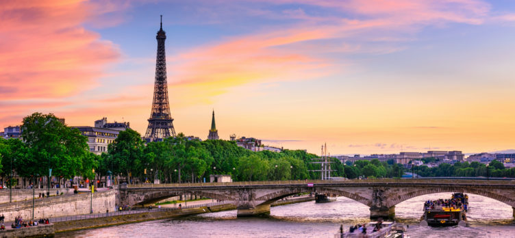ultimate travel guide to paris best things to do see much more. Black Bedroom Furniture Sets. Home Design Ideas