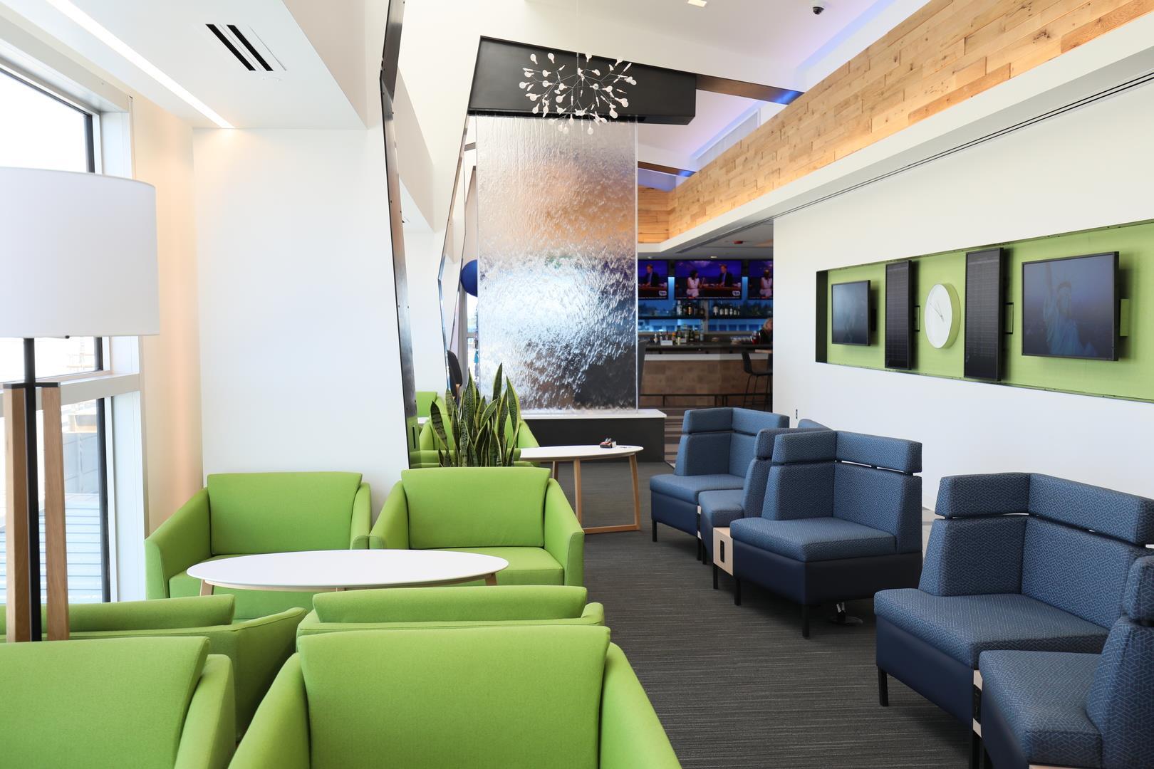 Alaska Lounge, SEA