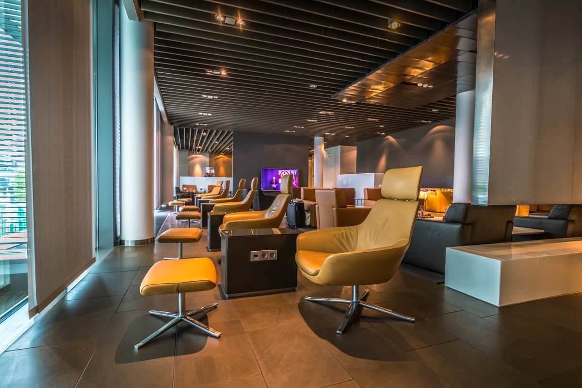 6+ Best Credit Cards to Access 6,6+ Airport Lounges [2026]