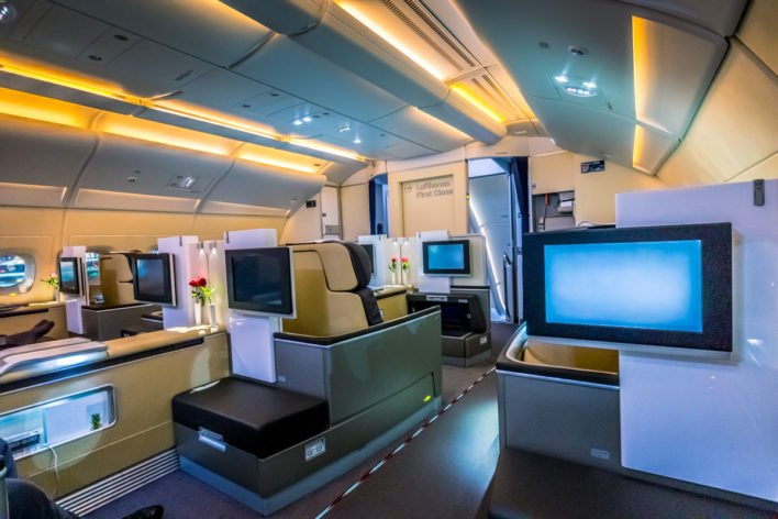 lufthansa airbus a380 first class review fra to sin amazing pics. Black Bedroom Furniture Sets. Home Design Ideas