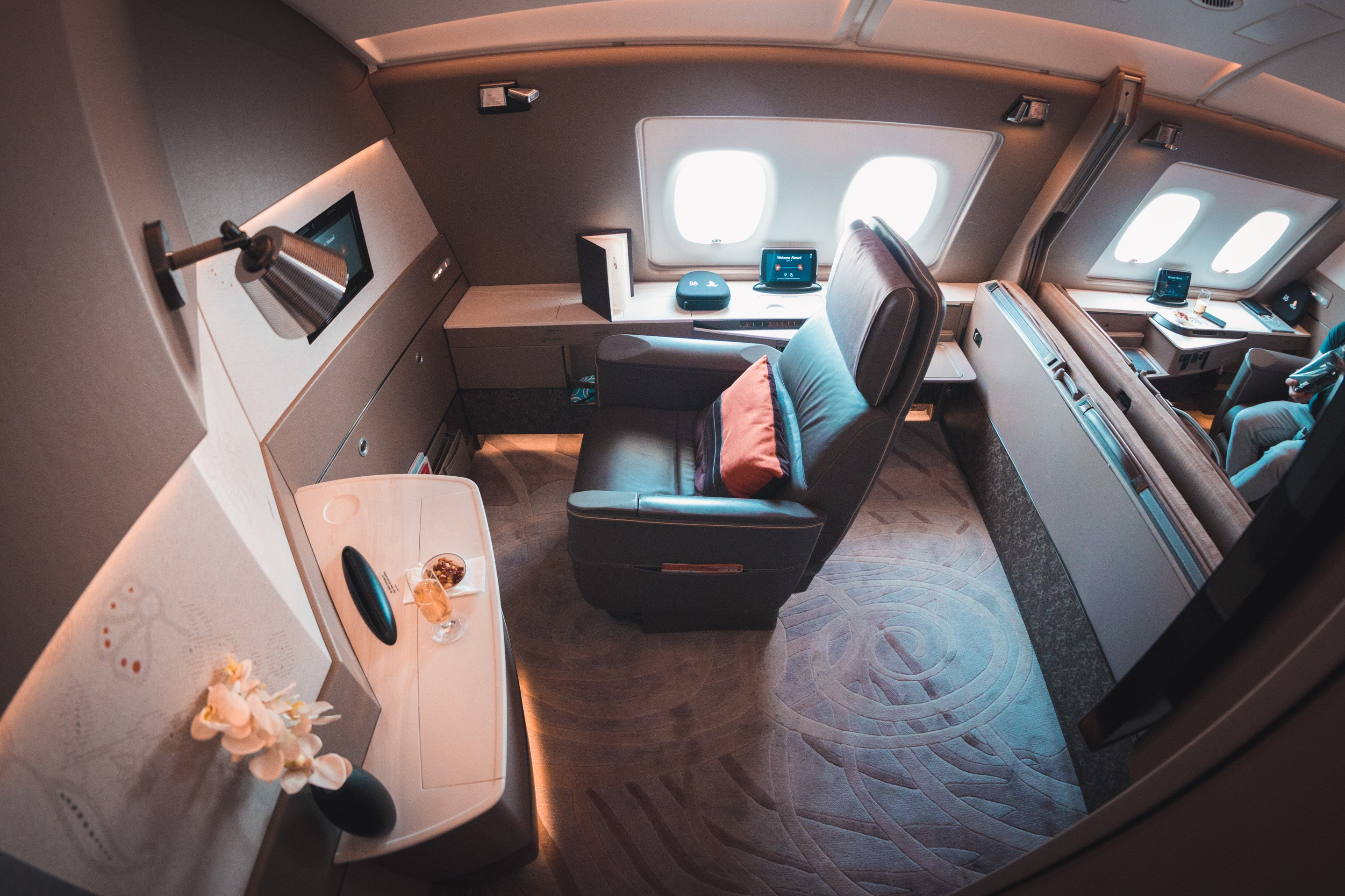 Singapore Airways Airbus A380 New First Class Suites ...