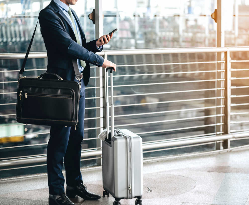 18d9bed8ad864 The 15 Best Carry-on Luggage Bags for Any Traveler  2019