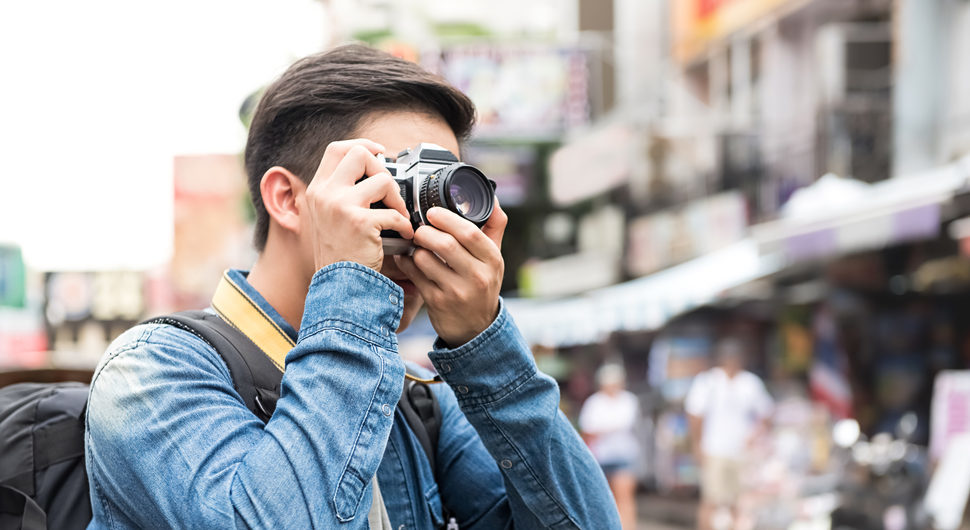 The Best Travel Cameras - Compact, DSLR & Mirrorless [2019]