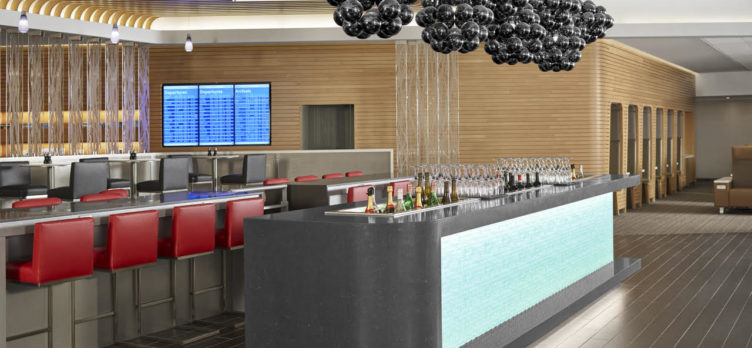 American Airlines Flagship Lounge - Bar