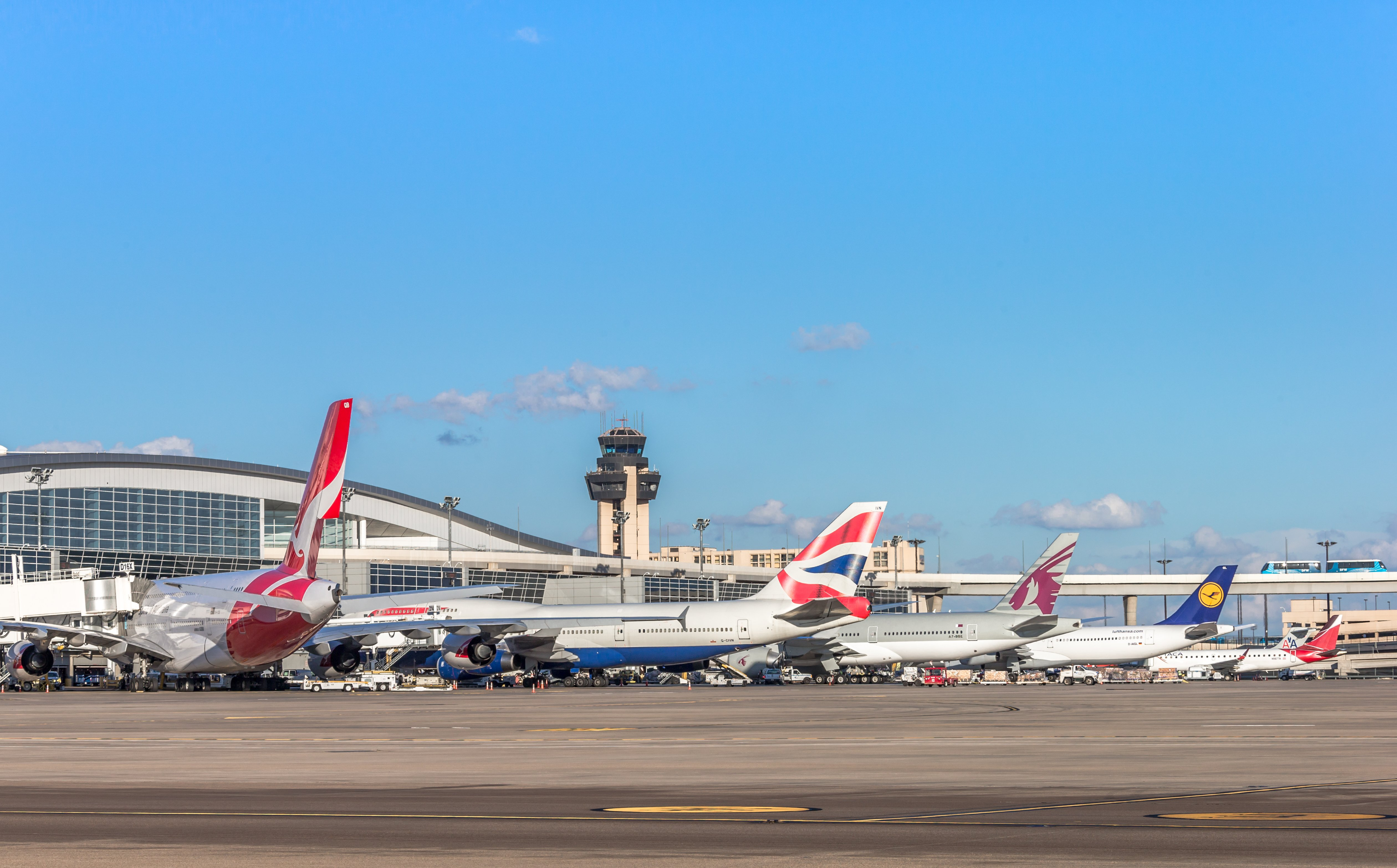 How to Get Between Terminals at Dallas/Fort Worth Airport (DFW)