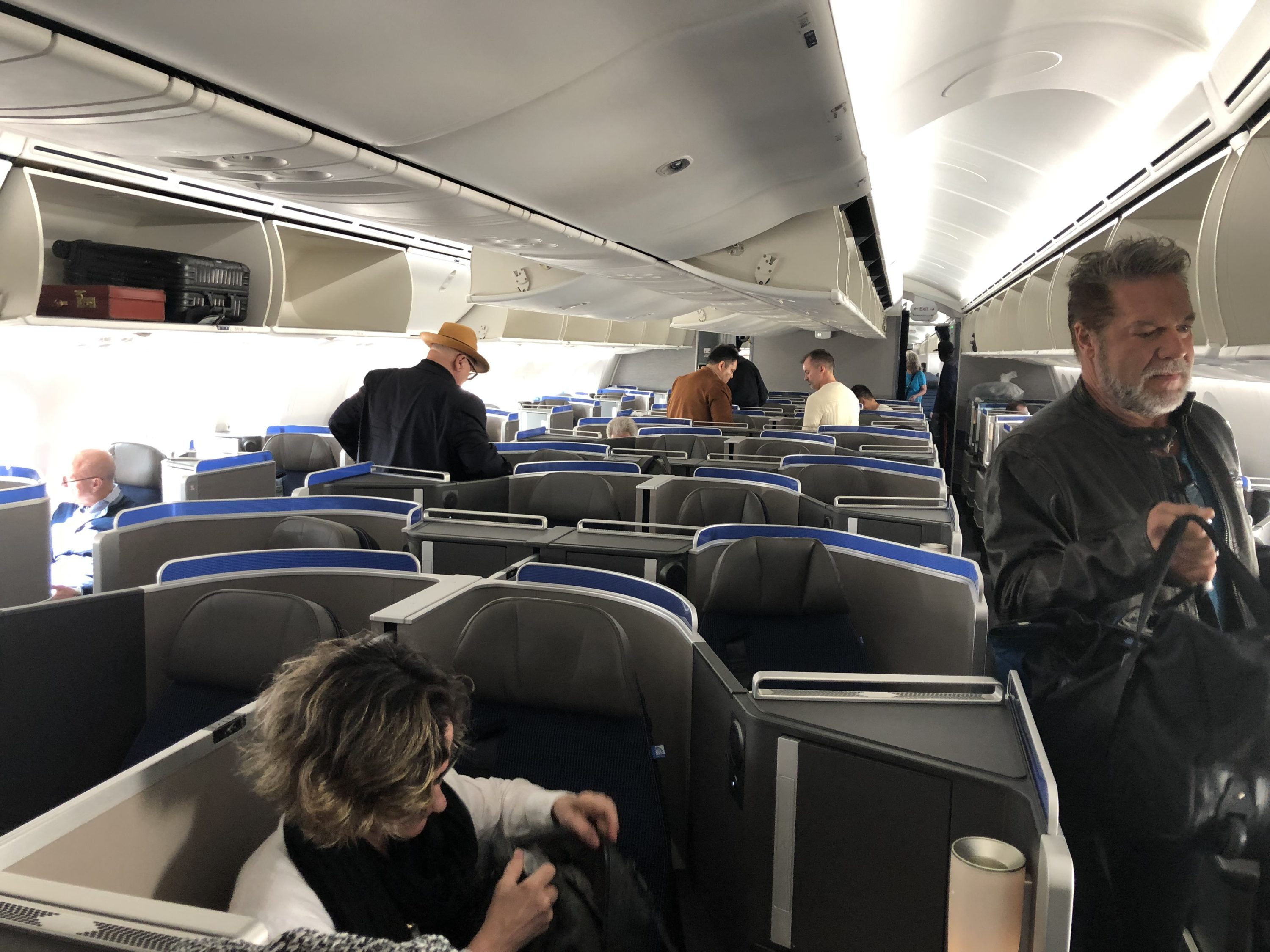 United 787-10 Polaris Business Class Review - LAX to IAH