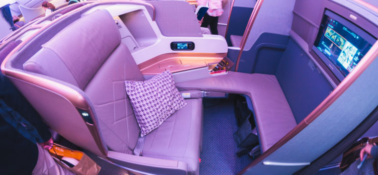 Singapore Airlines Airbus A350 Business Class - Middle Seat w/ P
