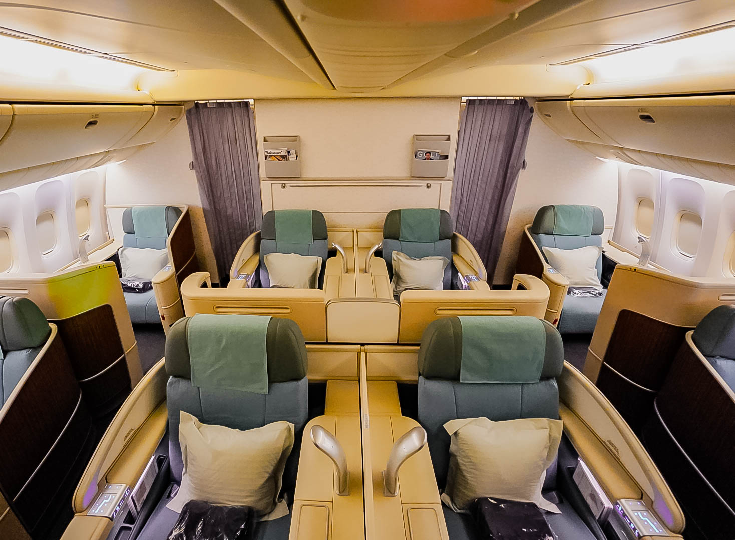 Korean Air Boeing 777-300ER First Class Review [SIN to ICN]