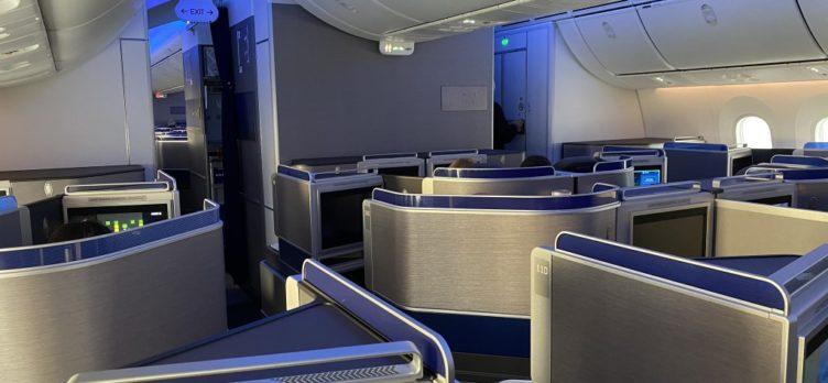 United Polaris Boeing 787 9 Dreamliner Blue lights