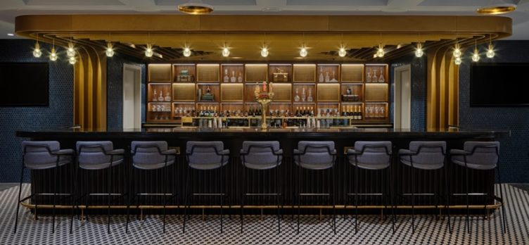 Centurion Lounge London Bar